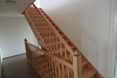 helle Holztreppenstufe - Holzbau - Holzhaus - Holzsystembau - PM Mangold