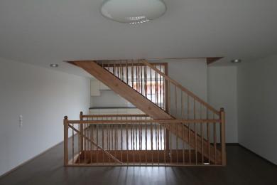 beige Holztreppenstufe - Holzbau - Holzhaus - Holzsystembau - PM Mangold