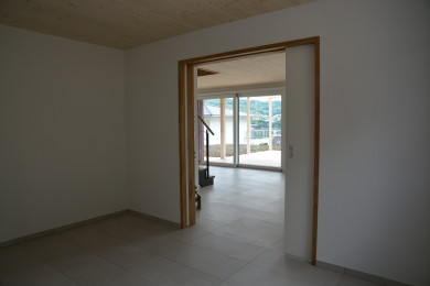 breiter Aussentürrahmen aus Holz - Holzbau - Holzhaus - Holzsystembau - PM Mangold