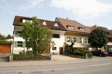 Häuserreihe aus Holz - Holzbau - Holzhaus - Holzsystembau - PM Mangold