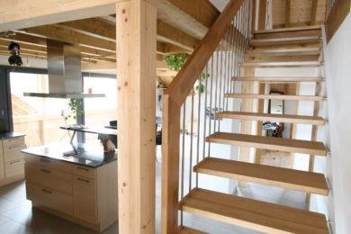 Dachbalken aus Holz - Holzbau - Holzhaus - Holzsystembau - PM Mangold