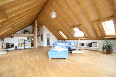 Dachzimmer aus Holz - Holzbau - Holzhaus - Holzsystembau - PM Mangold