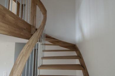 Schreinerei-Freitragende-Treppen-01-Ormalingen-154