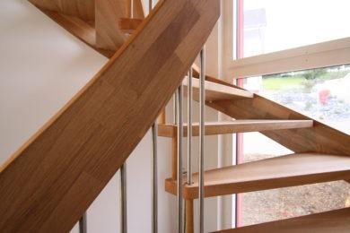 Schreinerei-Freitragende-Treppen-03-Ormalingen-075