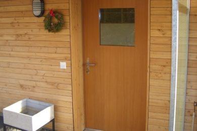 hölzerne Aussentüre - Holzbau - Holzhaus - Holzsystembau - PM Mangold