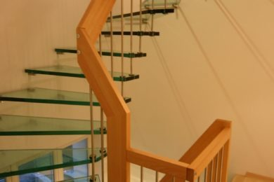 Glastreppe mit Holz - Holzbau - Holzhaus - Holzsystembau - PM Mangold