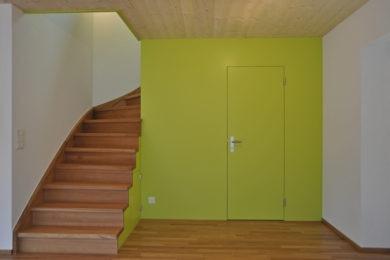 grüne Holzspezialtreppe - Holzbau - Holzhaus - Holzsystembau - PM Mangold