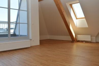 Holz Laminatboden - Holzbau - Holzhaus - Holzsystembau - PM Mangold